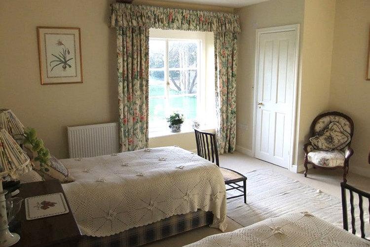Coxley House - Image 4 - UK Tourism Online
