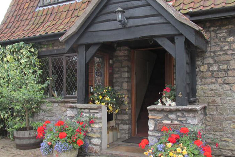 Crossover House Bed and Breakfast - Image 1 - UK Tourism Online