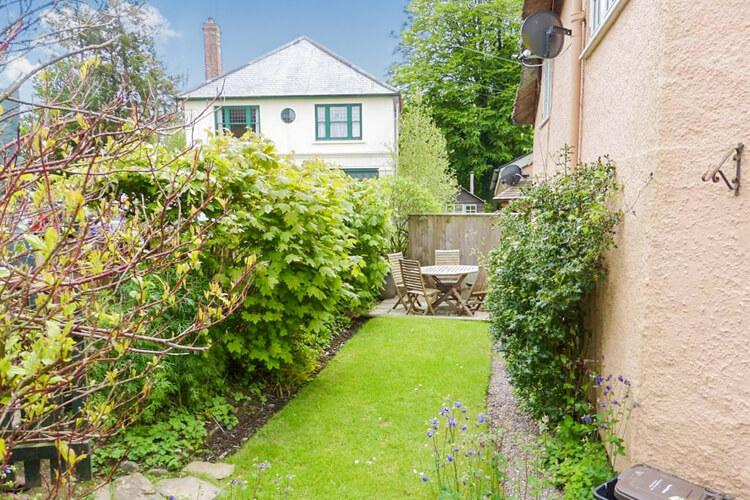 Crown Cottage - Image 1 - UK Tourism Online