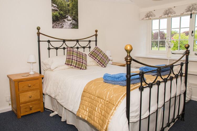 Crown Cottage - Image 2 - UK Tourism Online