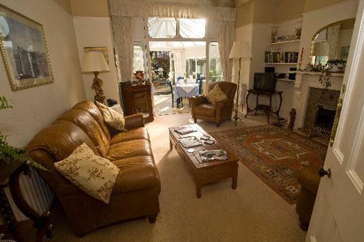 Downlands House - Image 3 - UK Tourism Online