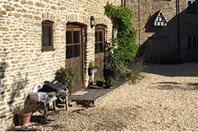 Higher Farm Bed and Breakfast - Image 1 - UK Tourism Online