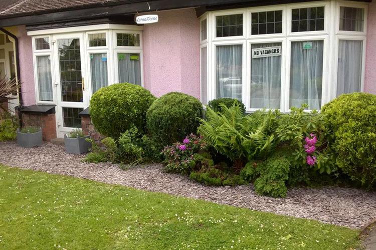 Lorna Doone Guest House - Image 1 - UK Tourism Online