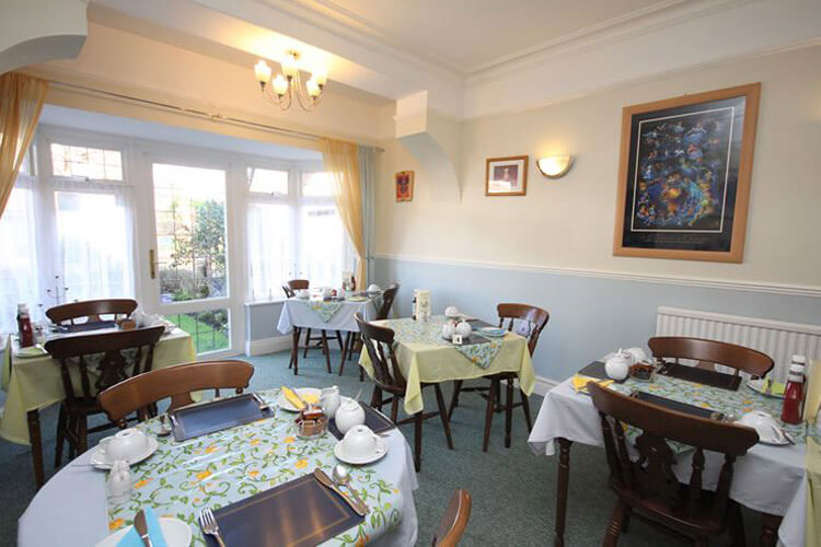 Lorna Doone Guest House - Image 5 - UK Tourism Online