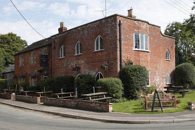 Manor House Inn - Image 1 - UK Tourism Online