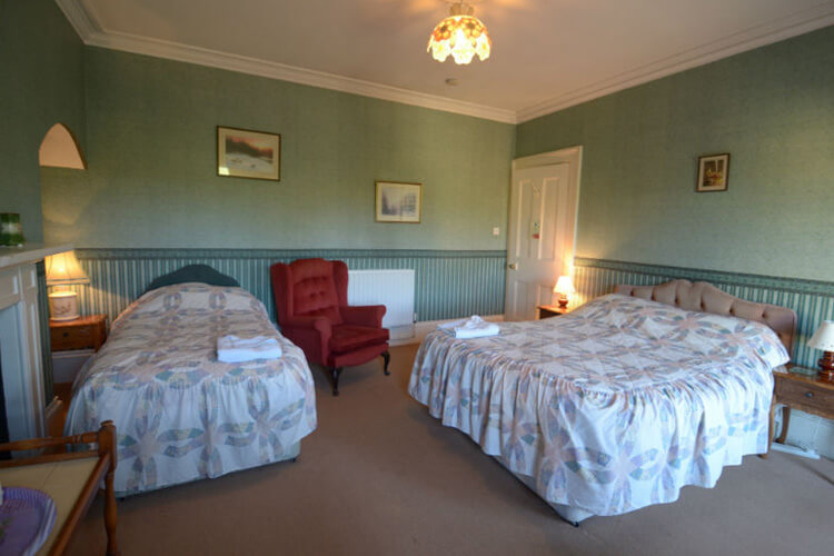 Old Gloucester Road Farm Bed and breakfast - Image 1 - UK Tourism Online