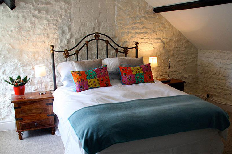 The Three Horseshoes Inn - Image 2 - UK Tourism Online