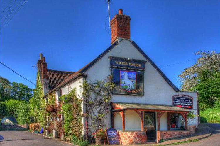 The White Horse Inn - Image 1 - UK Tourism Online