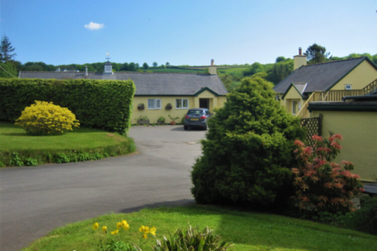 Westerclose House Cottages - Image 1 - UK Tourism Online