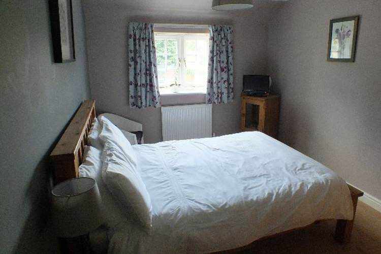 92 Monkton Deverill Bed and Breakfast - Image 2 - UK Tourism Online