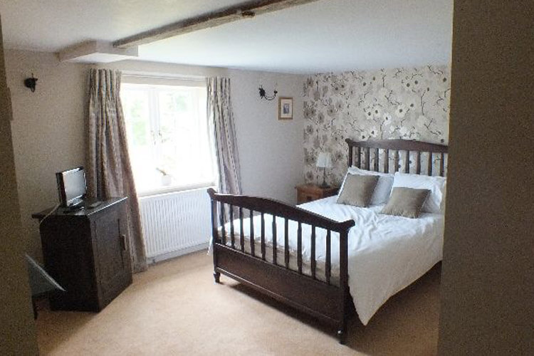 92 Monkton Deverill Bed and Breakfast - Image 3 - UK Tourism Online
