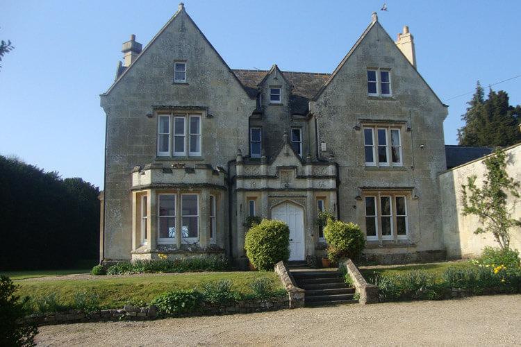 Burcombe Manor - Image 1 - UK Tourism Online