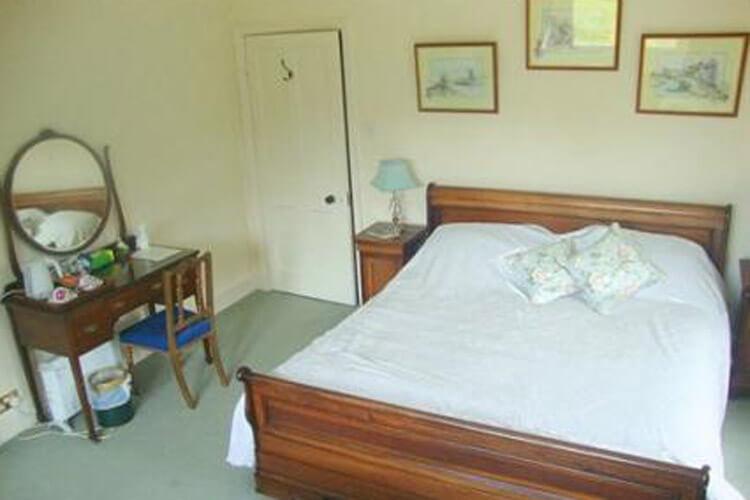 Burcombe Manor - Image 2 - UK Tourism Online