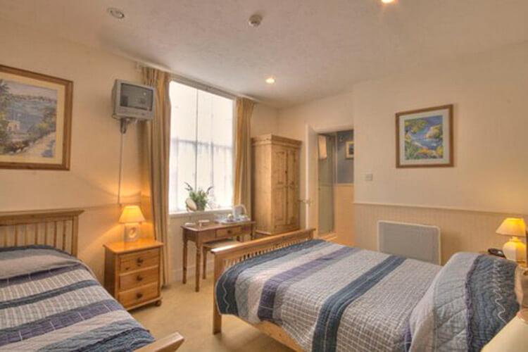 Fairlawn House - Image 2 - UK Tourism Online