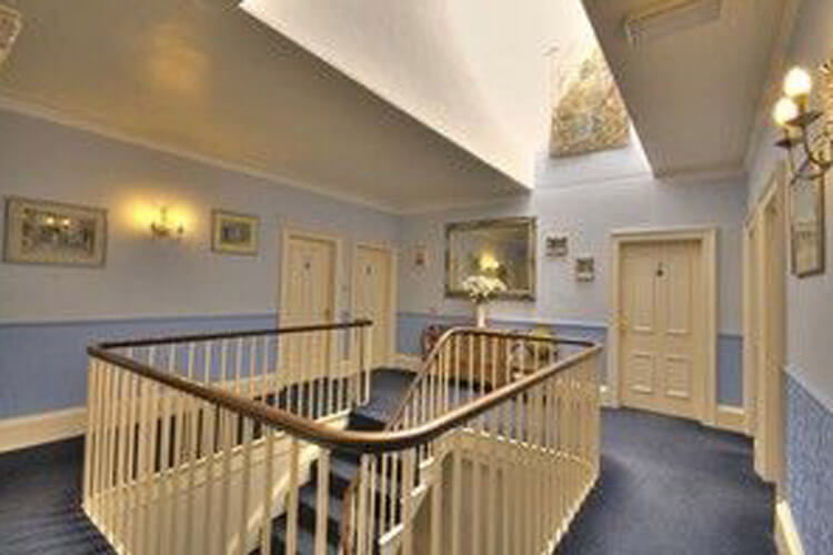 Fairlawn House - Image 4 - UK Tourism Online