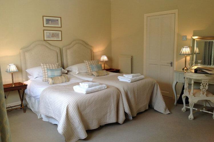 Great Ashley House - Image 3 - UK Tourism Online