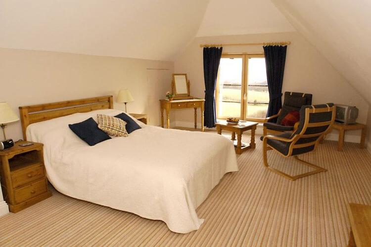 Lodge Farmhouse Bed & Breakfast - Image 2 - UK Tourism Online
