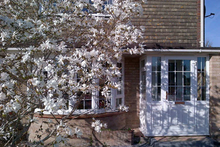 Magnolia Tree Bed and Breakfast - Image 1 - UK Tourism Online