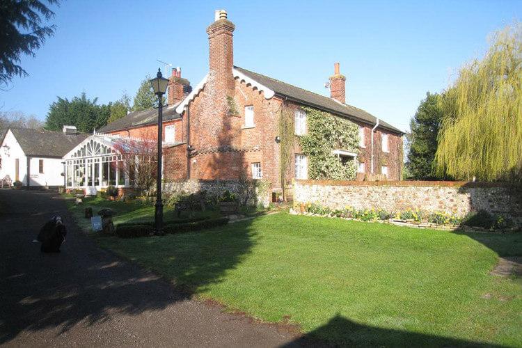 Newton Farmhouse - Image 1 - UK Tourism Online