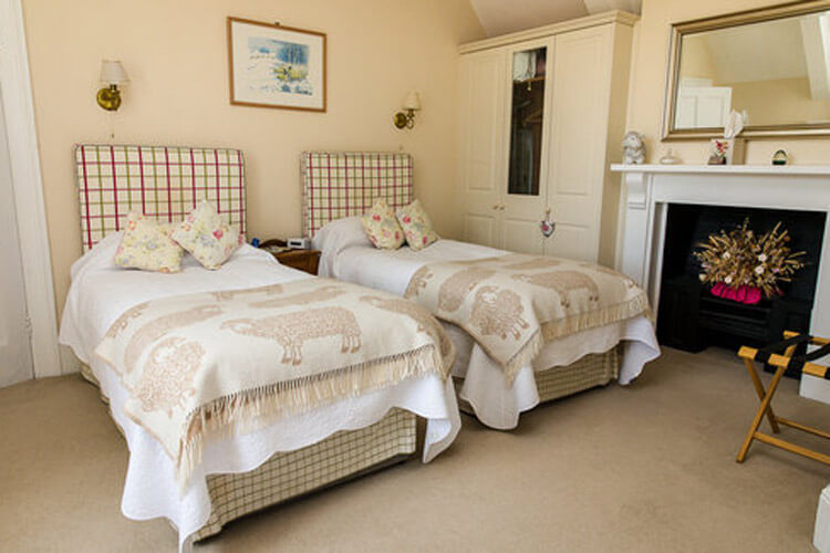 Pickwick Lodge Farm - Image 3 - UK Tourism Online
