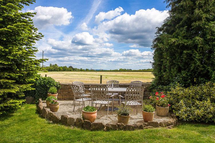 Pickwick Lodge Farm - Image 5 - UK Tourism Online