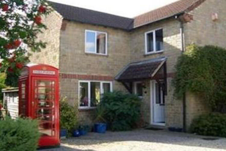 Red Box Guest House - Image 1 - UK Tourism Online