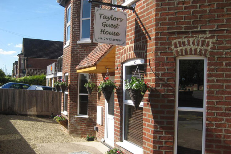 Taylors Guest House - Image 1 - UK Tourism Online