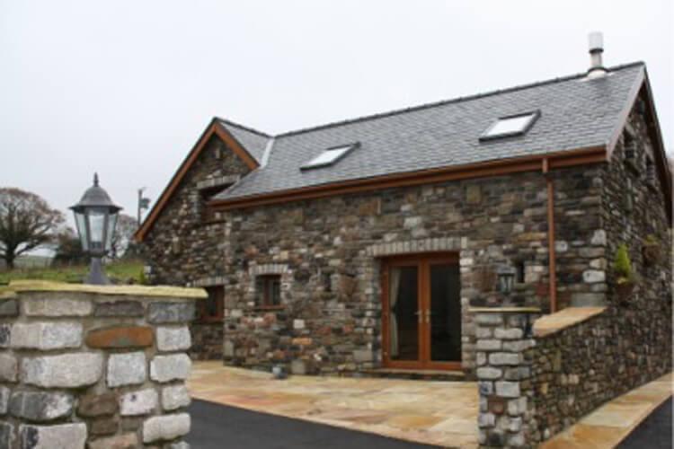 Crynant Cottages - Image 1 - UK Tourism Online