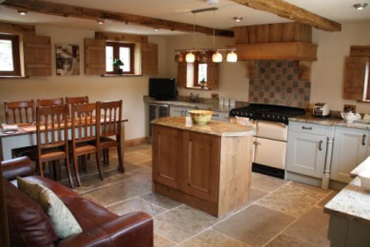 Crynant Cottages - Image 2 - UK Tourism Online