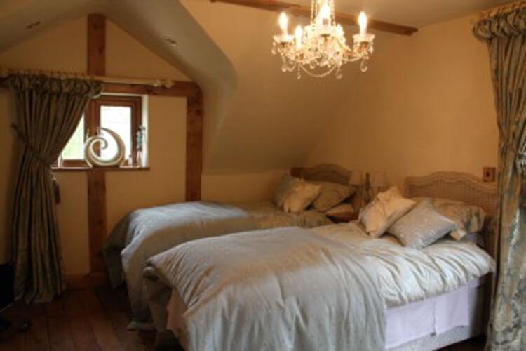 Crynant Cottages - Image 3 - UK Tourism Online