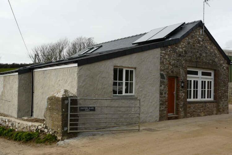 Eastern Slade Barn - Image 1 - UK Tourism Online