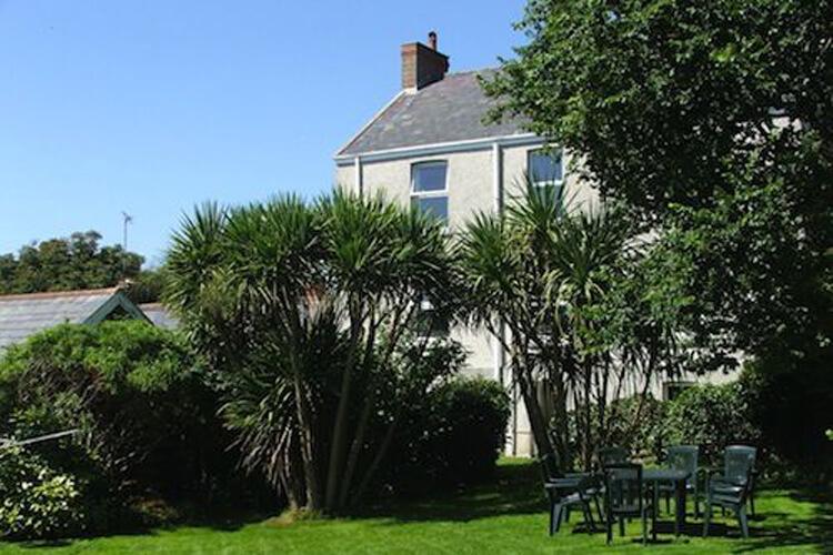 Fernbank Cottage - Image 1 - UK Tourism Online