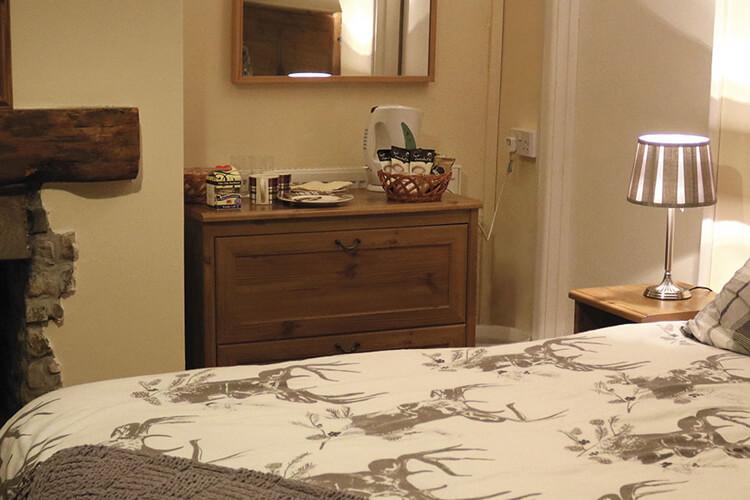 The Hollybush Inn - Image 2 - UK Tourism Online