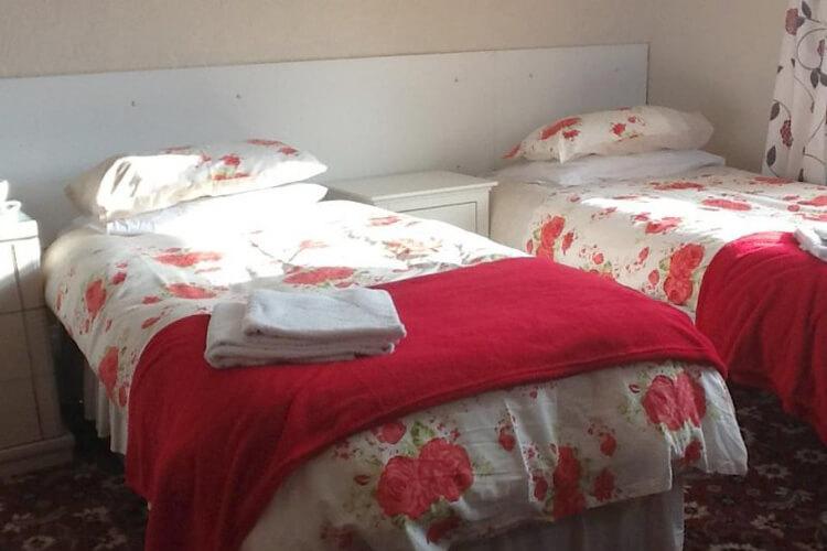 Y Fron Guest House - Image 2 - UK Tourism Online