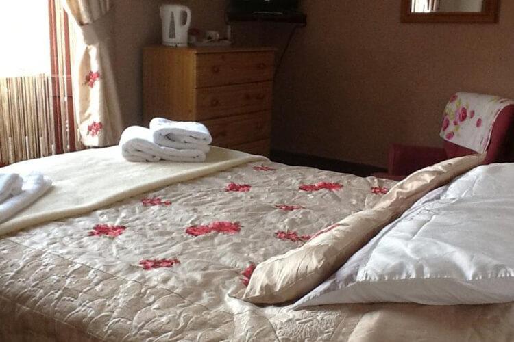 Y Fron Guest House - Image 3 - UK Tourism Online