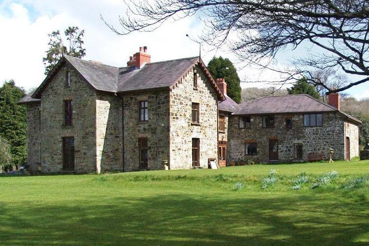 Gwarmacwydd Farm Holidays - Image 1 - UK Tourism Online