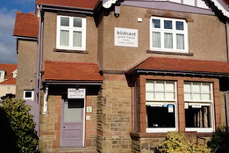Bodnant Guest House - Image 1 - UK Tourism Online