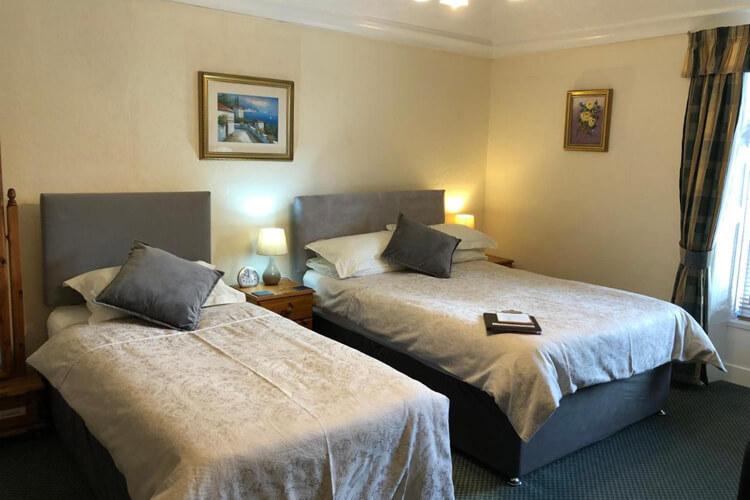 Bron Menai Guest House - Image 2 - UK Tourism Online