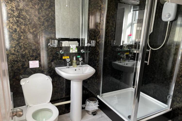 Bron Menai Guest House - Image 4 - UK Tourism Online