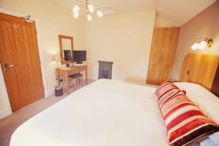 Broncoed Uchaf Country Guest House - Image 2 - UK Tourism Online