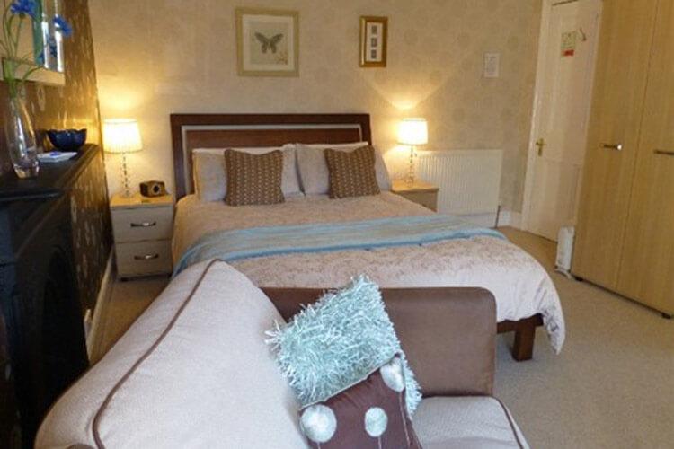 Bryn Derwen Guest House - Image 2 - UK Tourism Online