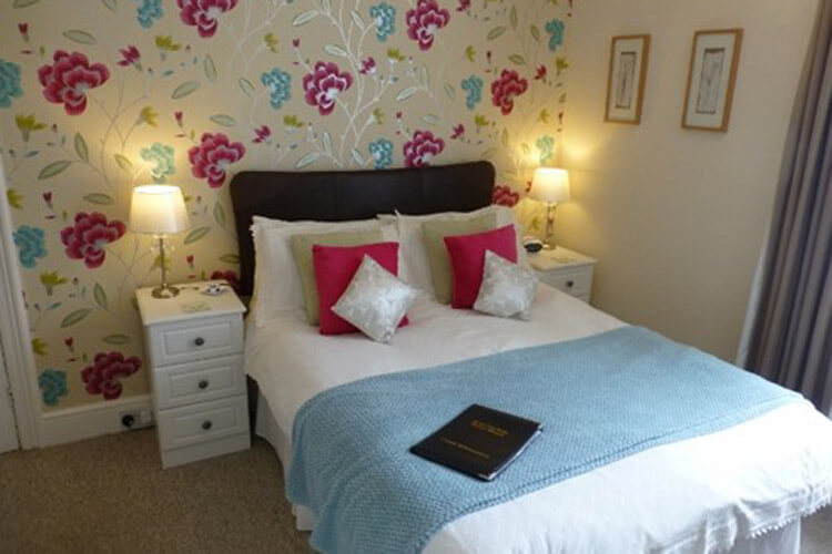 Bryn Derwen Guest House - Image 4 - UK Tourism Online