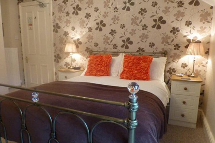 Bryn Derwen Guest House - Image 5 - UK Tourism Online