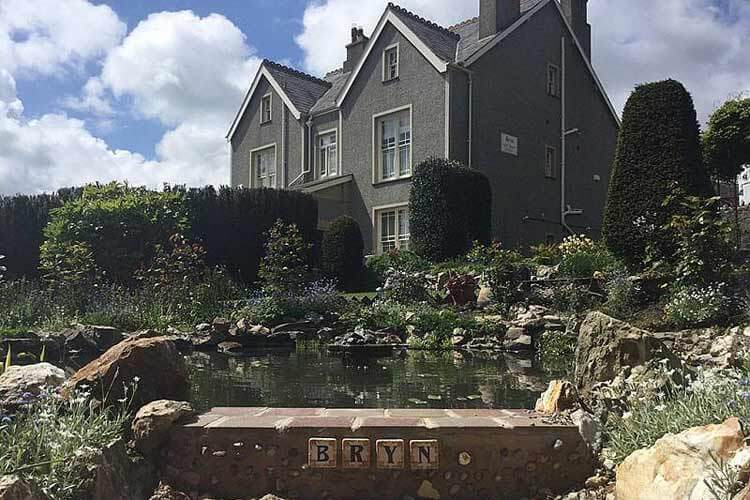 Bryn Guest House - Image 1 - UK Tourism Online