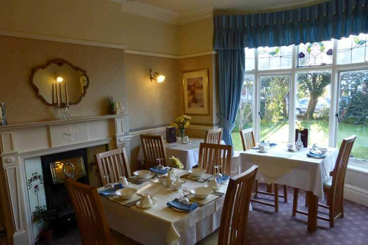 Bryn Holcombe Bed and Breakfast - Image 5 - UK Tourism Online
