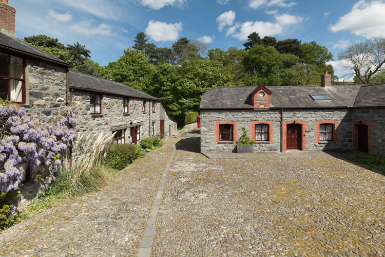 Conwy Valley Cottages - Image 1 - UK Tourism Online