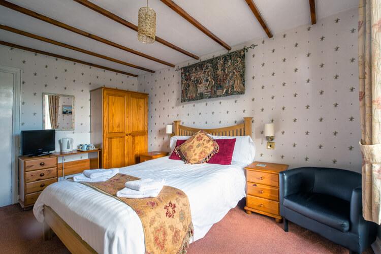 Elens Castle Hotel - Image 3 - UK Tourism Online