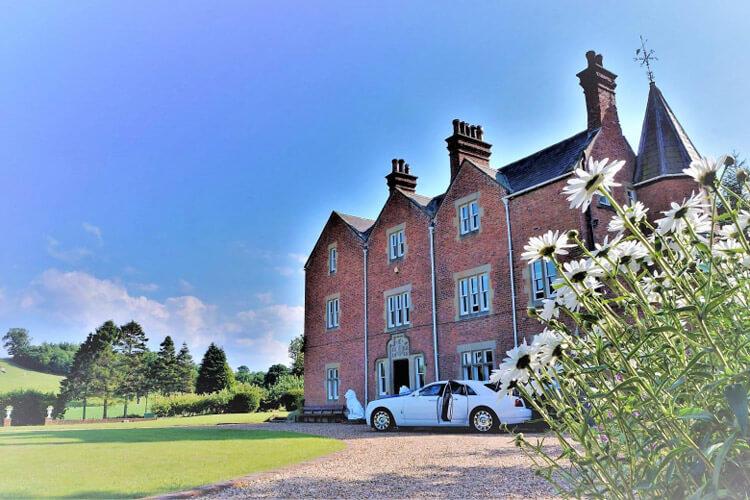 Eriviat Hall - Image 1 - UK Tourism Online