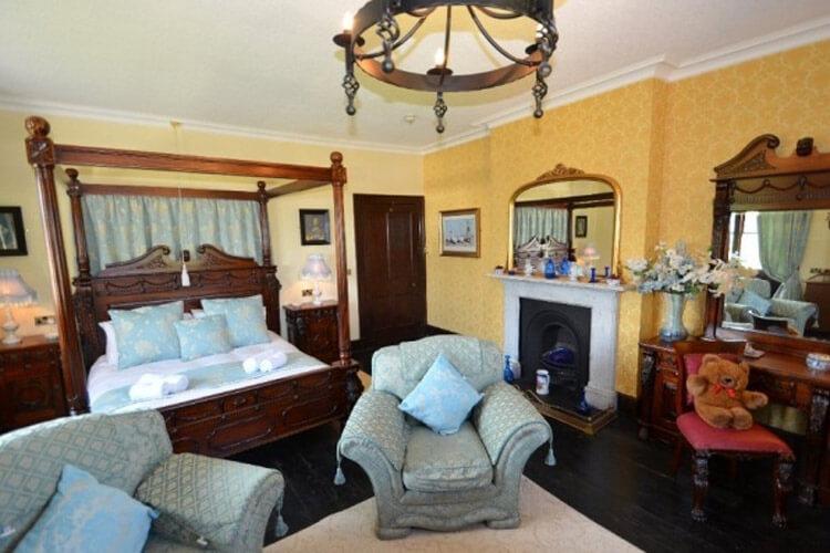Eriviat Hall - Image 2 - UK Tourism Online