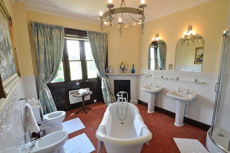 Eriviat Hall - Image 3 - UK Tourism Online